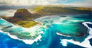 Mauritius Underwater Waterfall Helicopter Tour – Exclusive