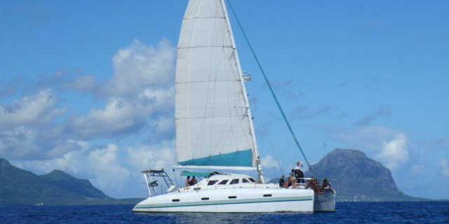Private catamaran sunset cruise with dinner black river (16)