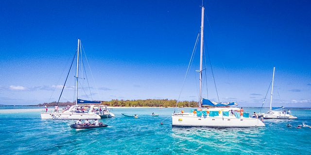 Exclusive catamaran cruise gabriel island breakfast lunch (9)